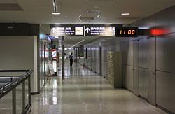 成田空港2階通路