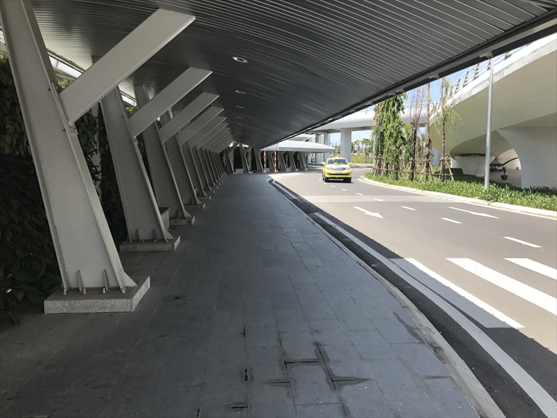 ダナン国際空港 T1からT2への連絡通路