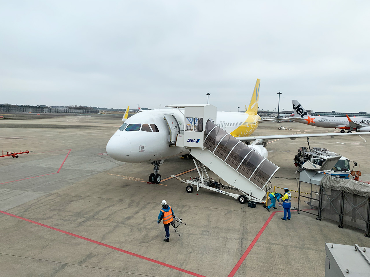 成田発函館行き JW953最終便