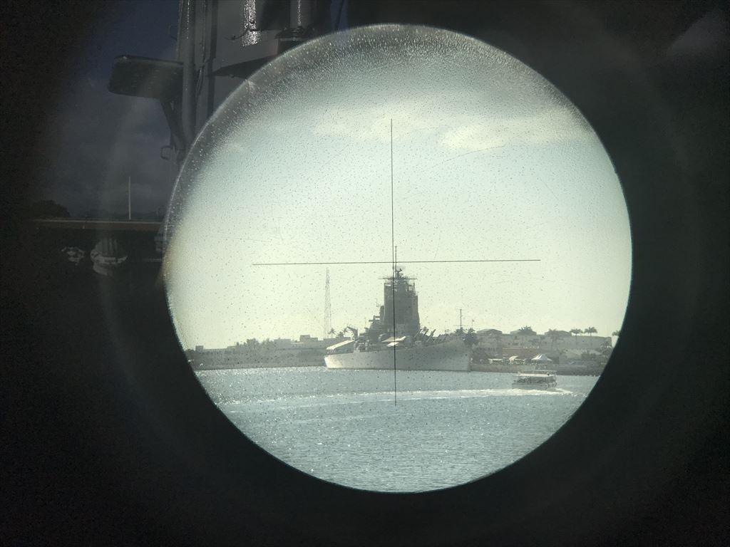 戦艦ミズーリを双眼鏡から見学