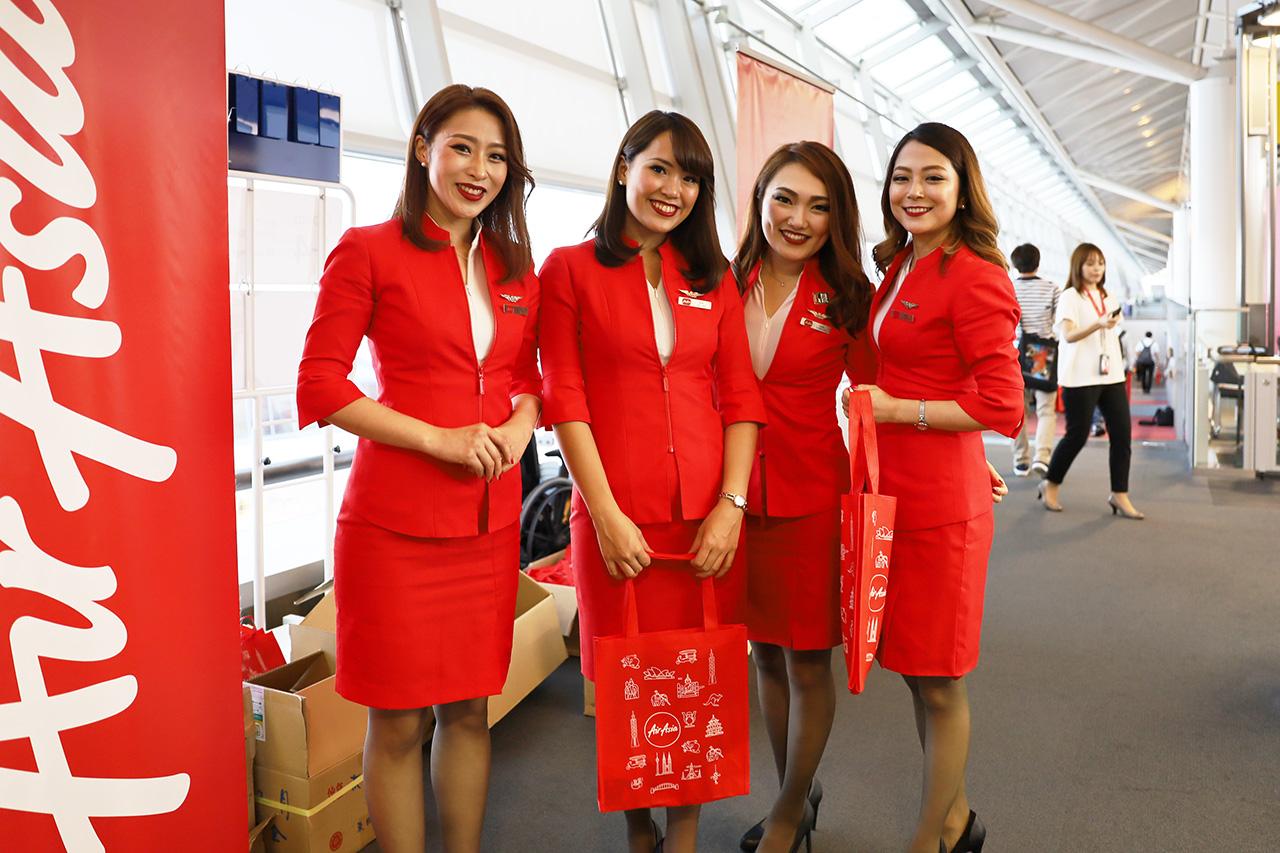 エアアジアジャパンの客室乗務員さんたち