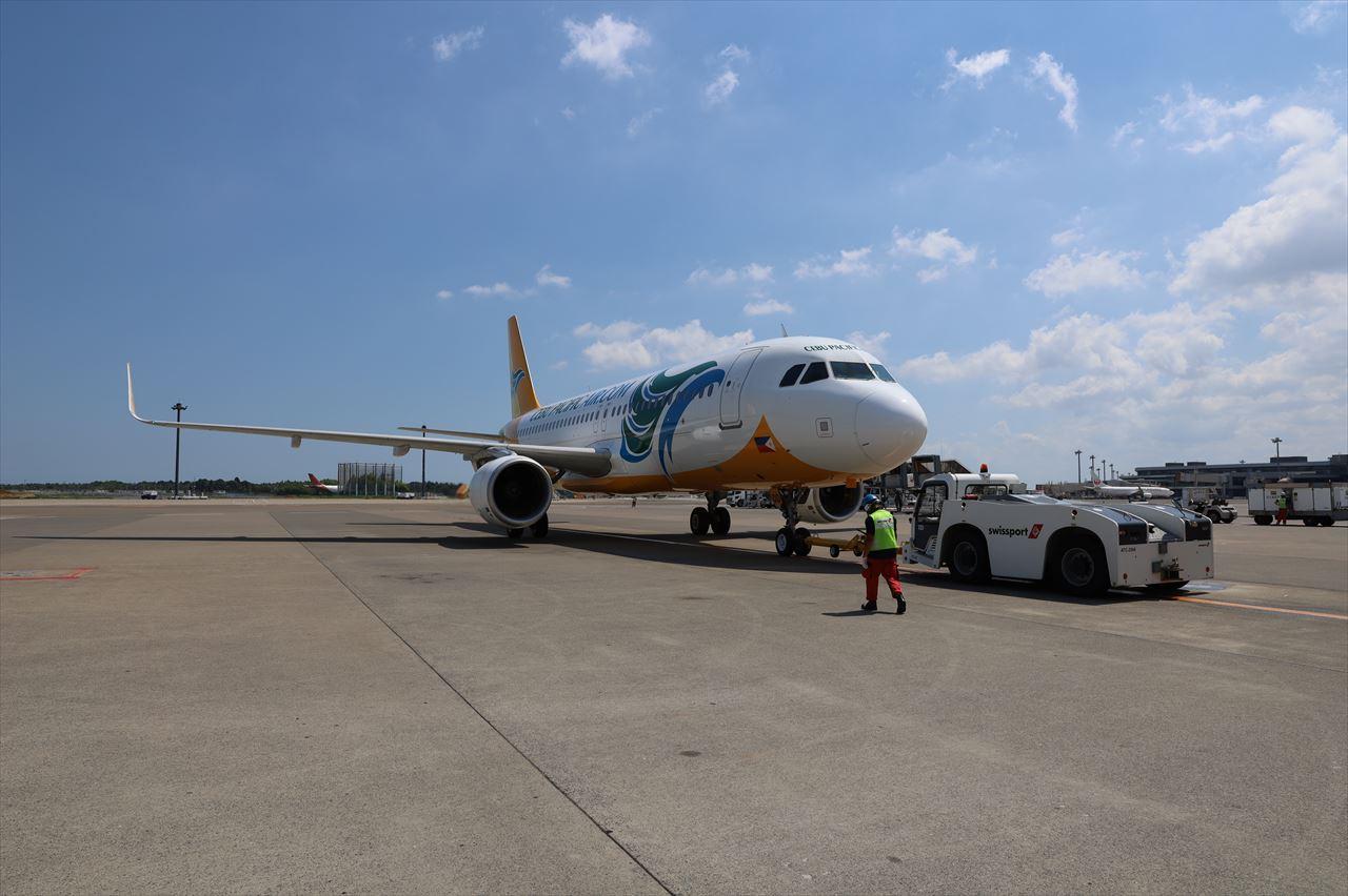 5J5069初便がクラークへ向けて出発