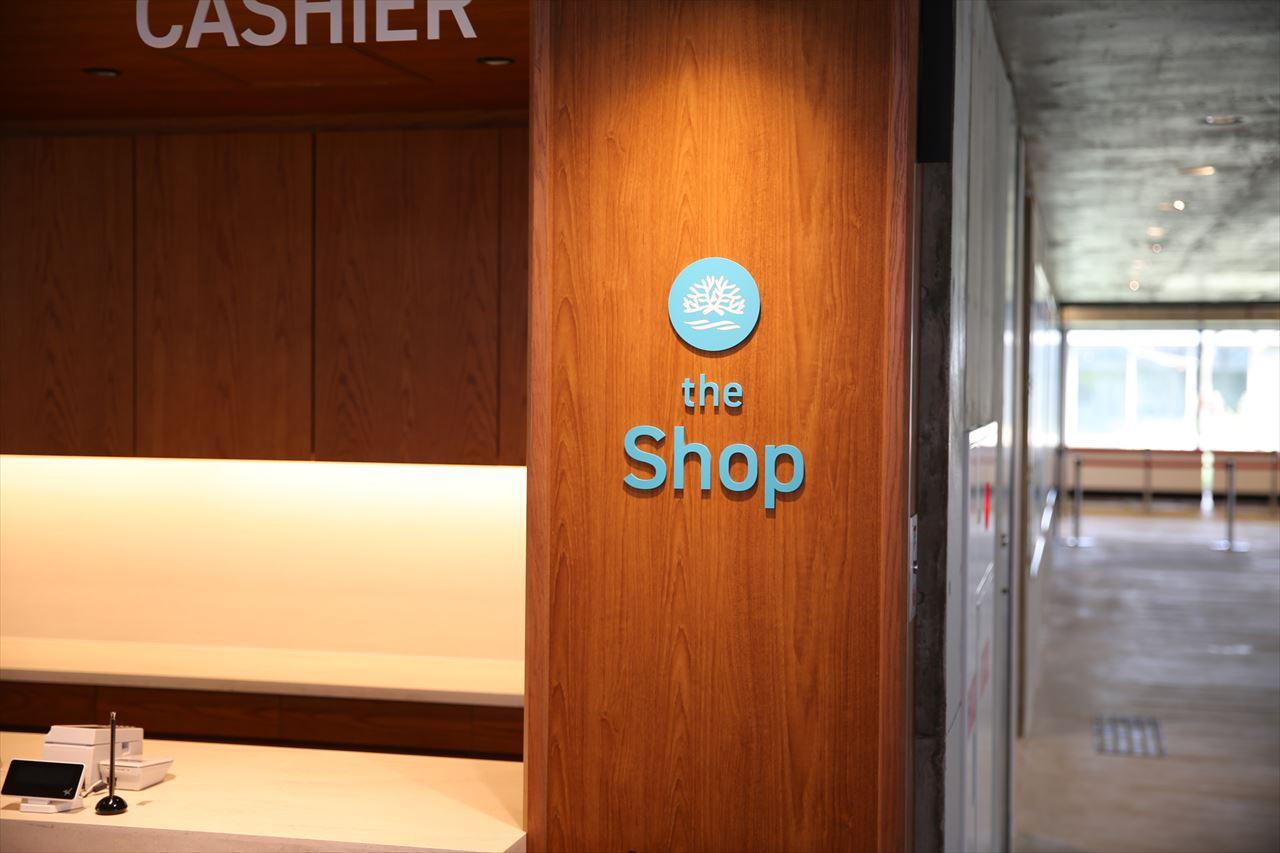 出発待合フロア the Shop