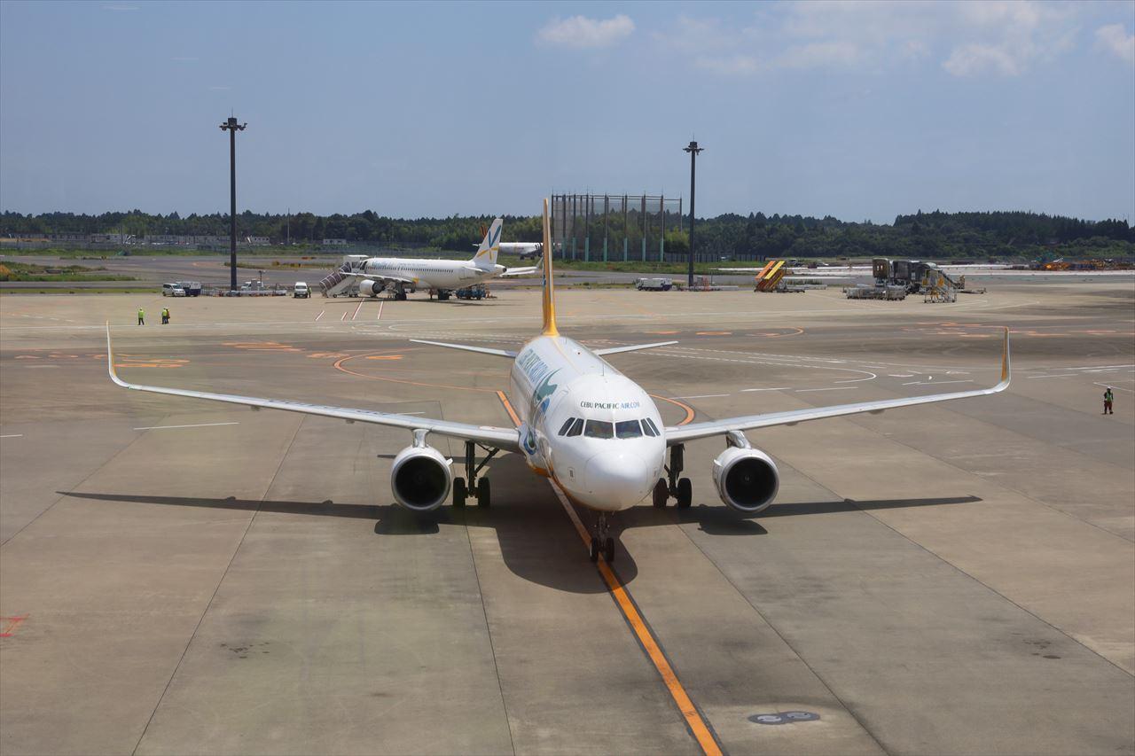 クラークから到着した5J5068便がスポットに到着