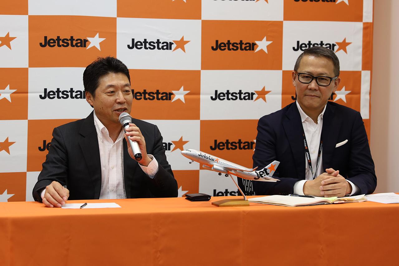 ジェットスタージャパン 代表取締役社長片岡氏(左)とCFO鈴木氏(左)