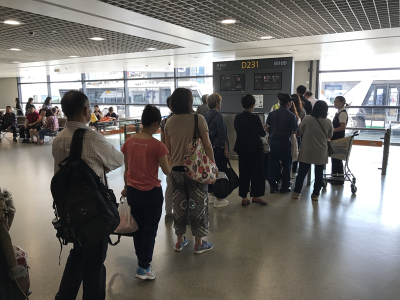 上海浦東国際空港 搭乗ゲート前