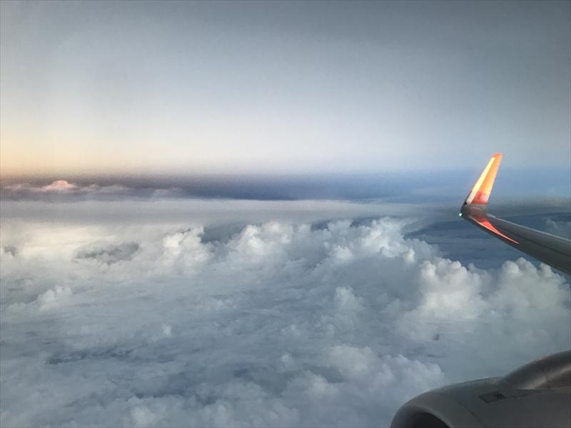 BL164便 機内からの夕暮れ