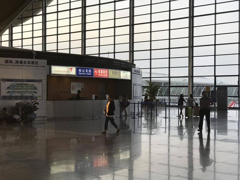 上海浦東国際空港の朝
