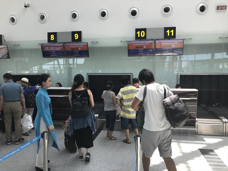 ダナン国際空港 チェックインカウンター
