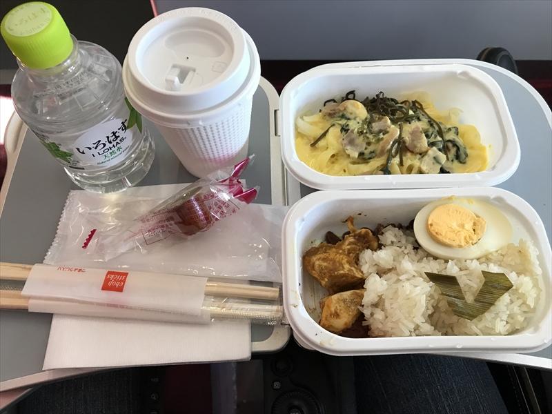 エアアジアジャパン初便の機内食