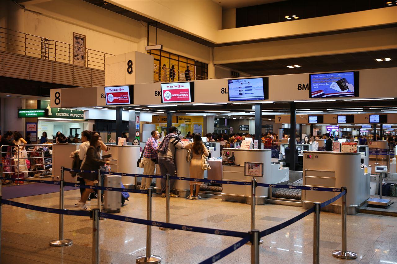 タイ・ドンムアン空港 第1ターミナル チェックインカウンター