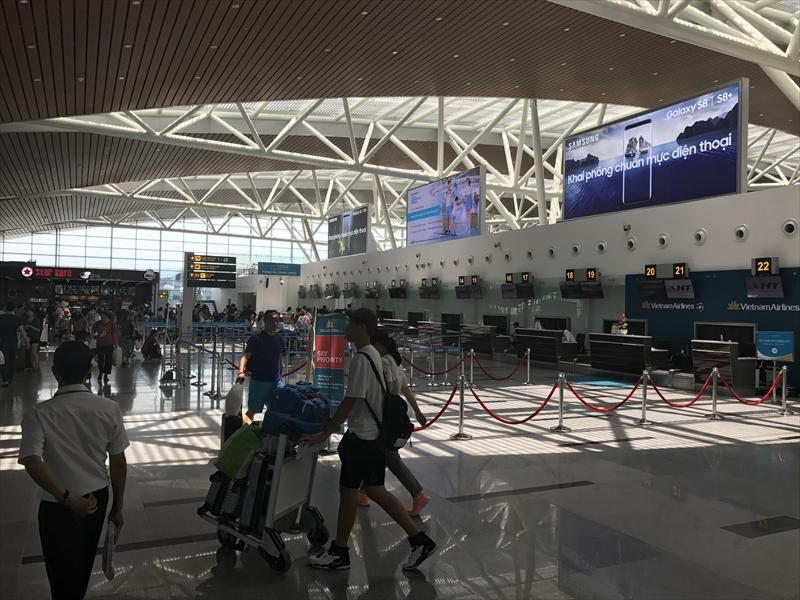 ダナン国際空港第2ターミナル(国際線)チェックインカウンターフロア