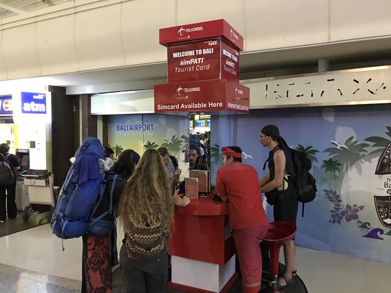 バリ空港 SIM販売カウンター