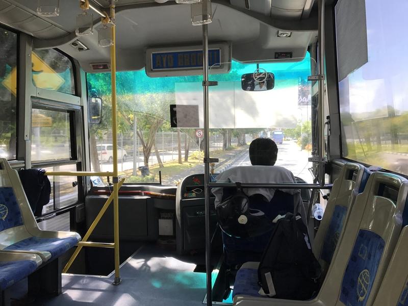 バリ 公共バス