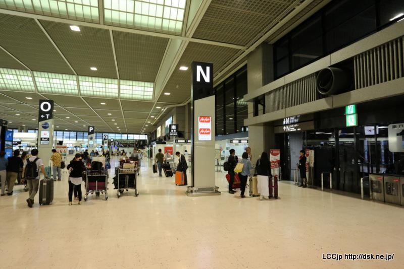 成田空港 出発ロビー