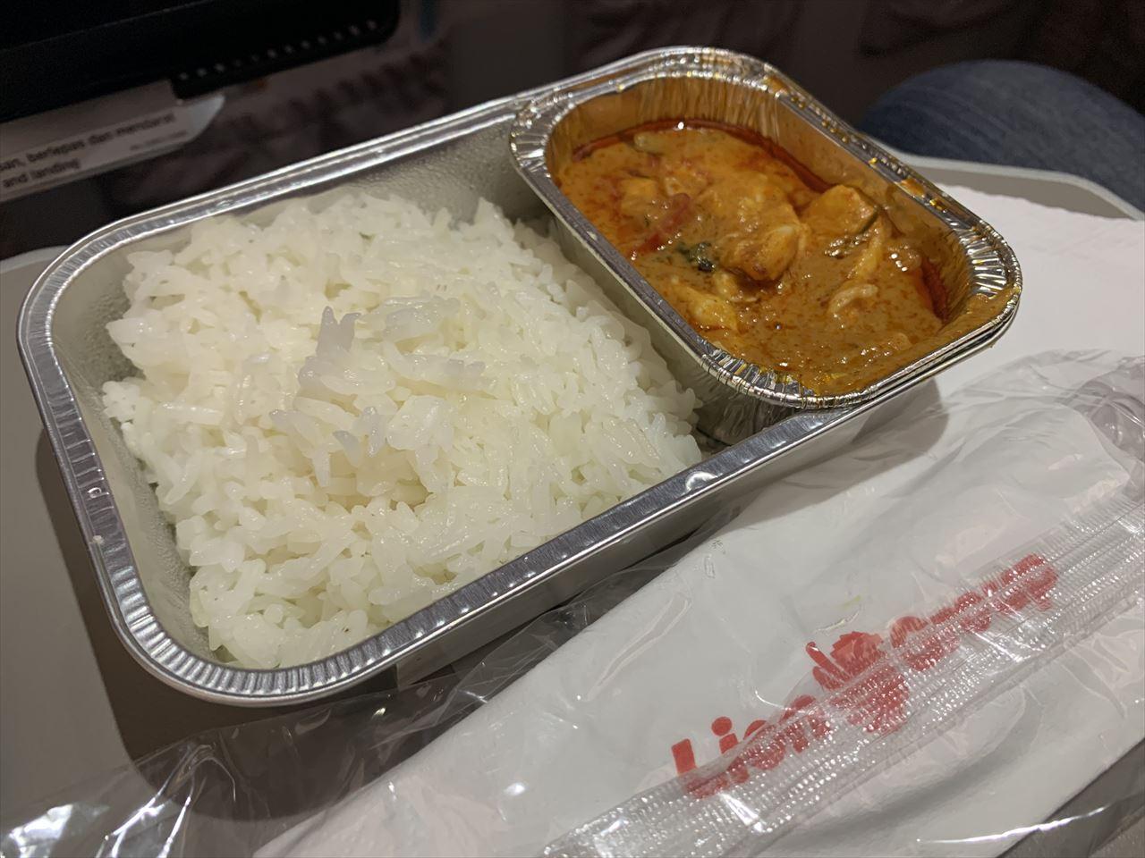 タイライオンエア 機内食 チキンパナンカレー