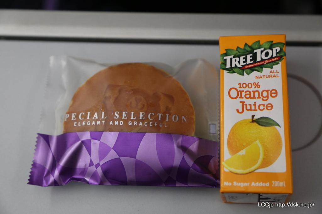 Vエア機内食 コンボセットについてくる