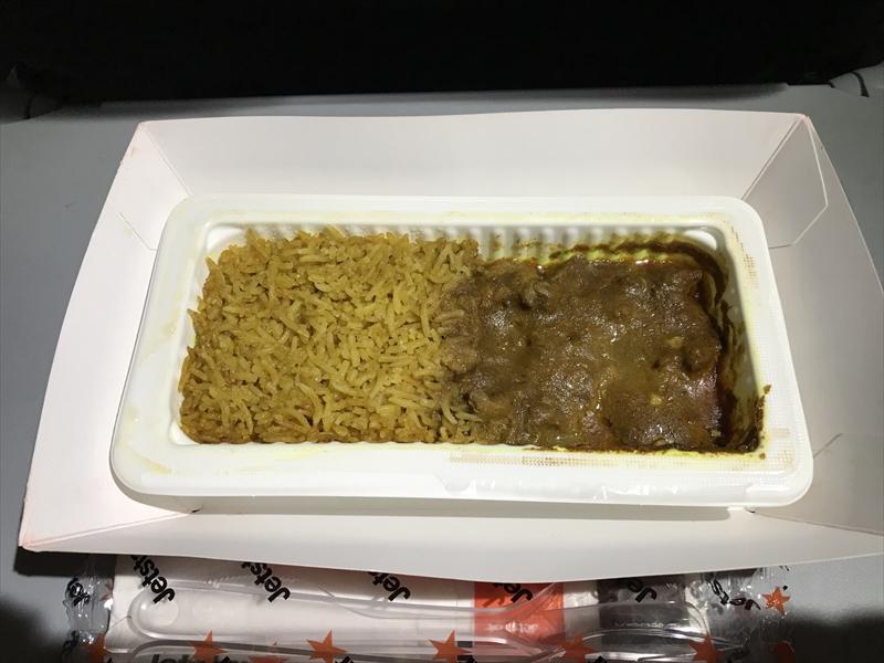 ジェットスターアジア 機内食 チキンレンダンwithライス