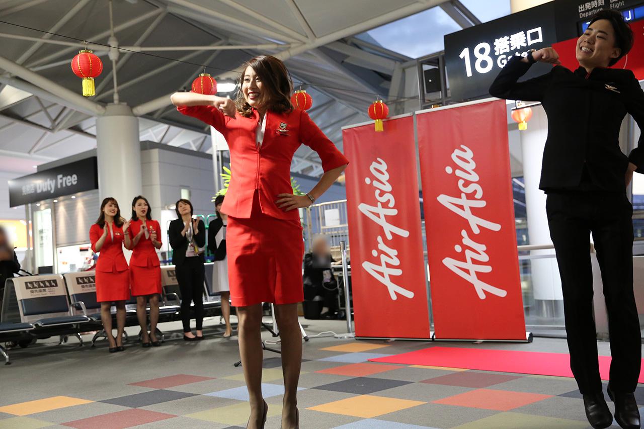 エアアジアジャパン ファンチームにのダンスパフォーマンス