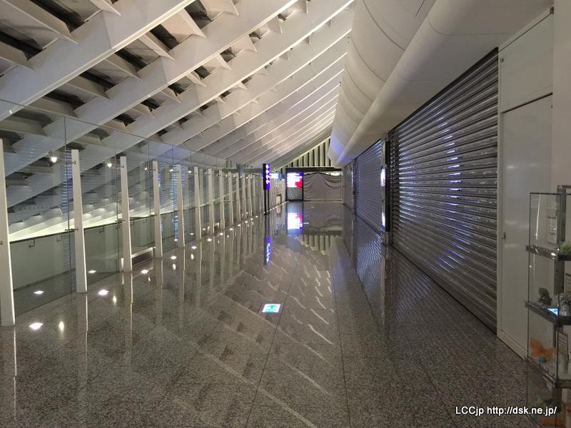 桃園空港 早朝は。。。